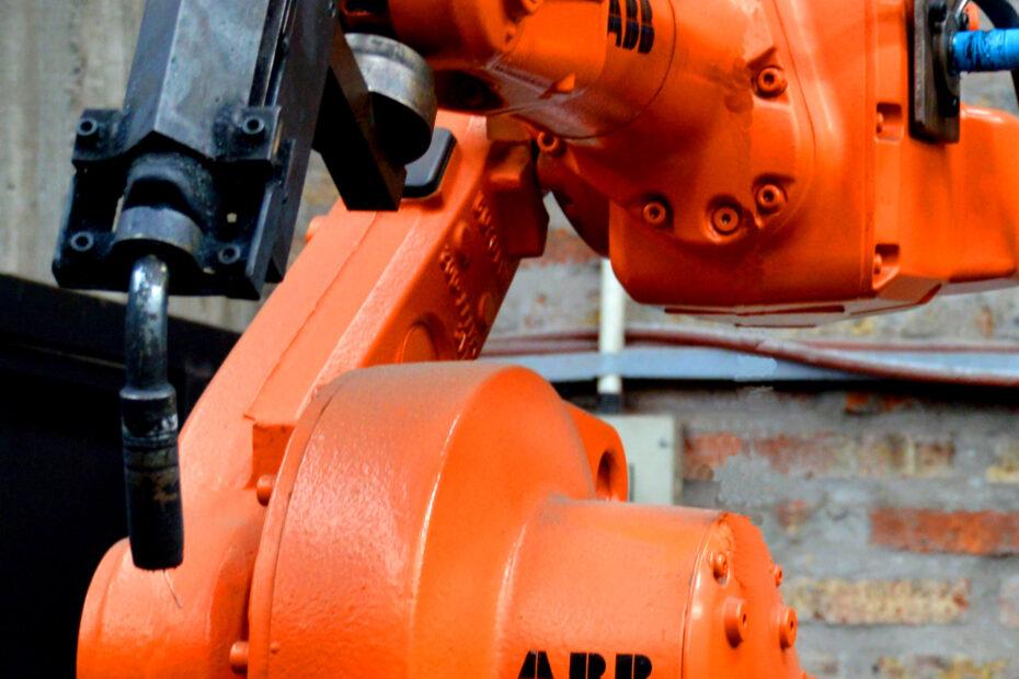 lino-del-bianco-fabrica-robot-abb